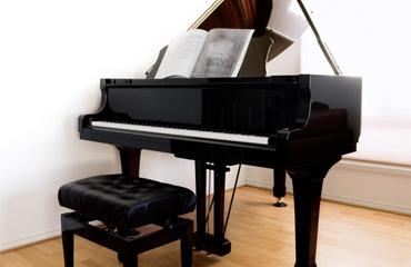 Piano-droit-et-a-queue