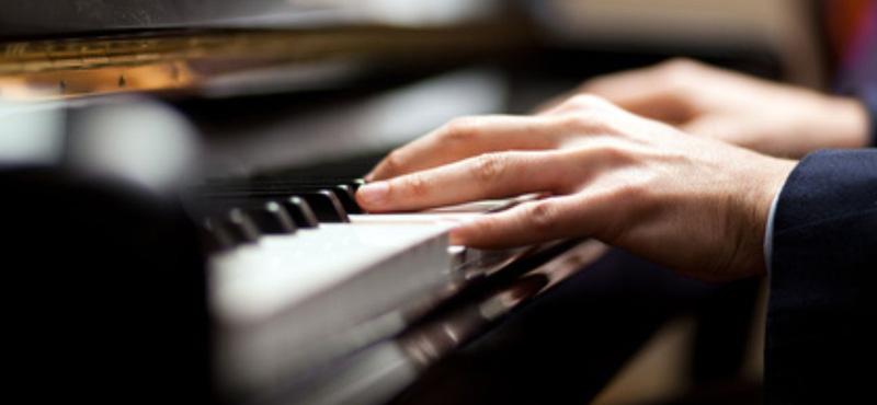 Piano_Yamaha-1